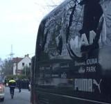 Tre esplosioni davanti al bus del Borussia, ferito il difensore Bartra. Match rinviato